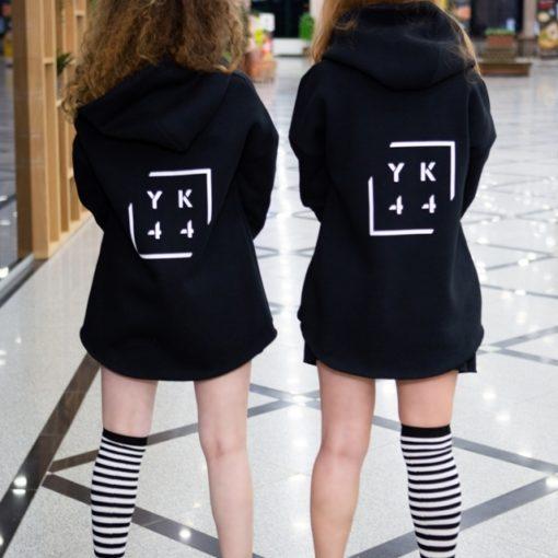 Современная женская одежда в стиле спорт-шик